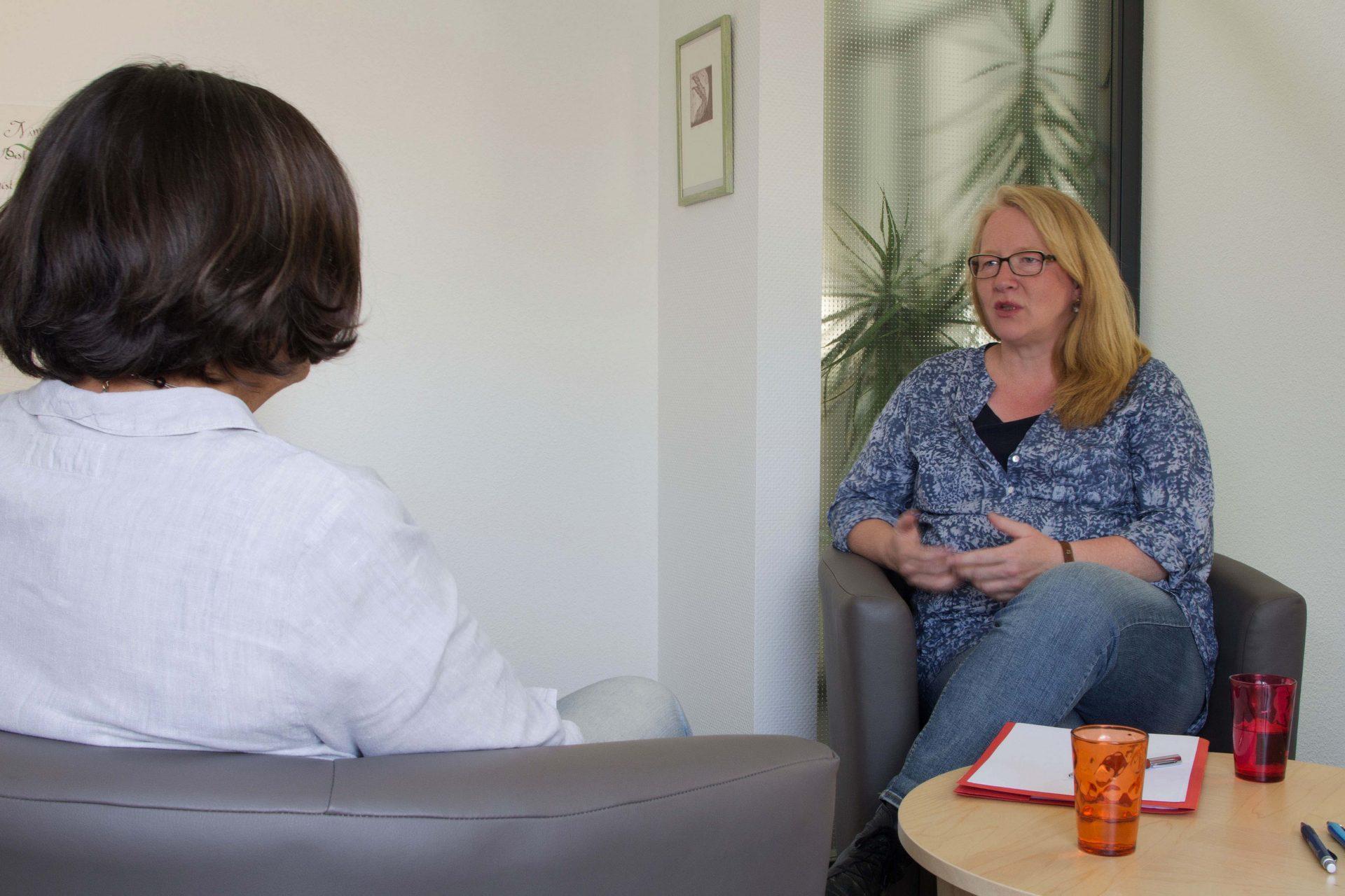 Andrea Brüske im persönlichen Beratungsgespräch