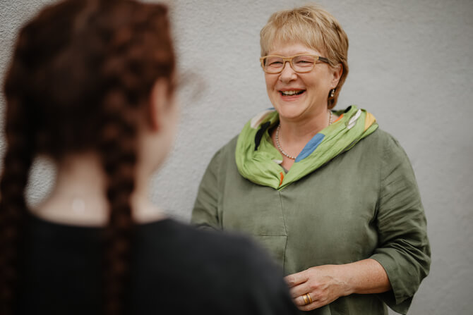 Andrea Brüske in einer Beratung